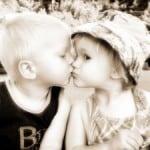 sweet-kids-kiss-image