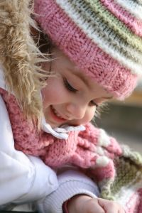 girl-pink-beige-scarf-image
