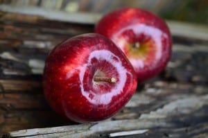 two-apples-wooden-table-image