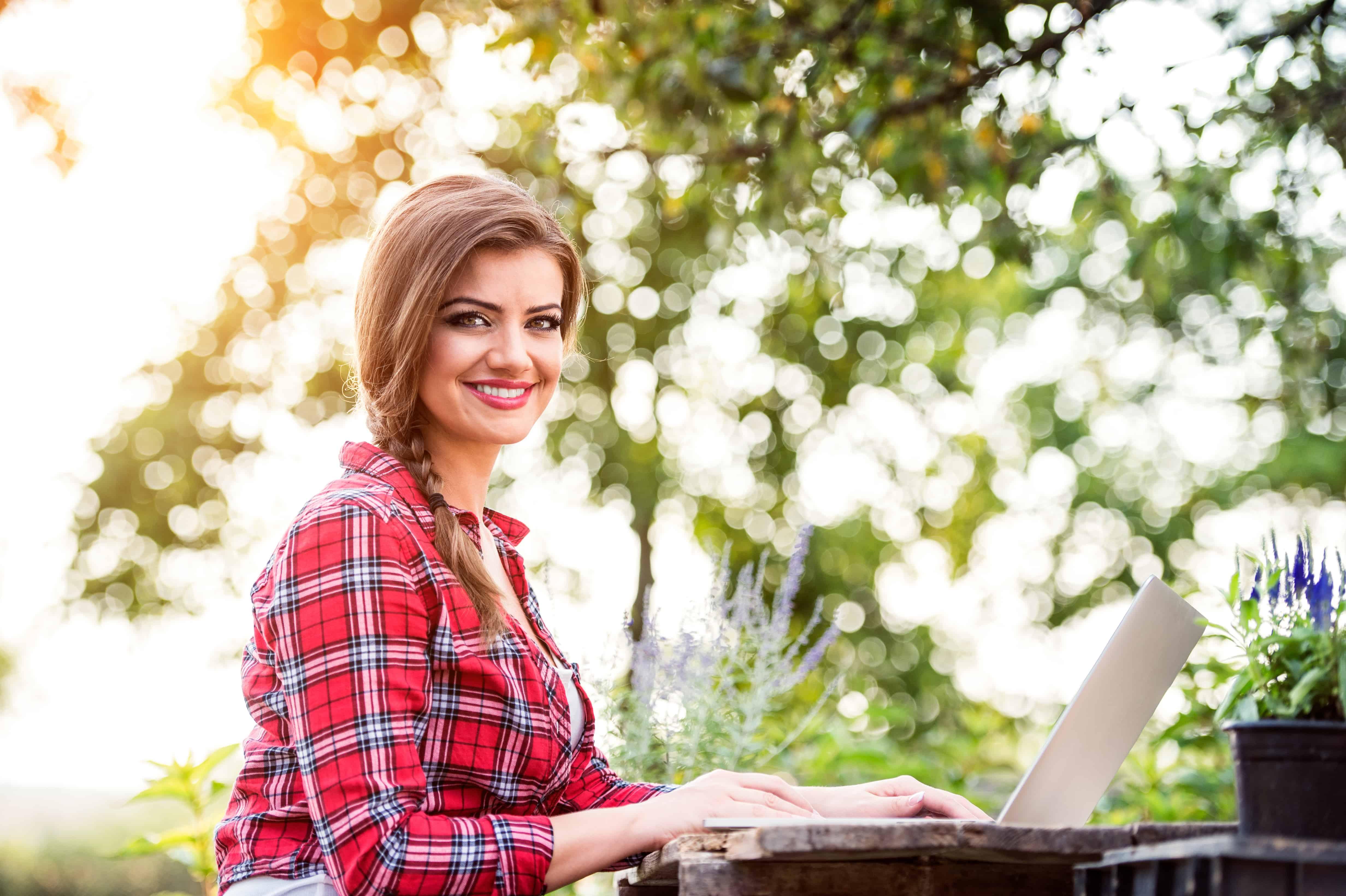 Start a Money-Making Blog: FREE Blogging Webinar Series