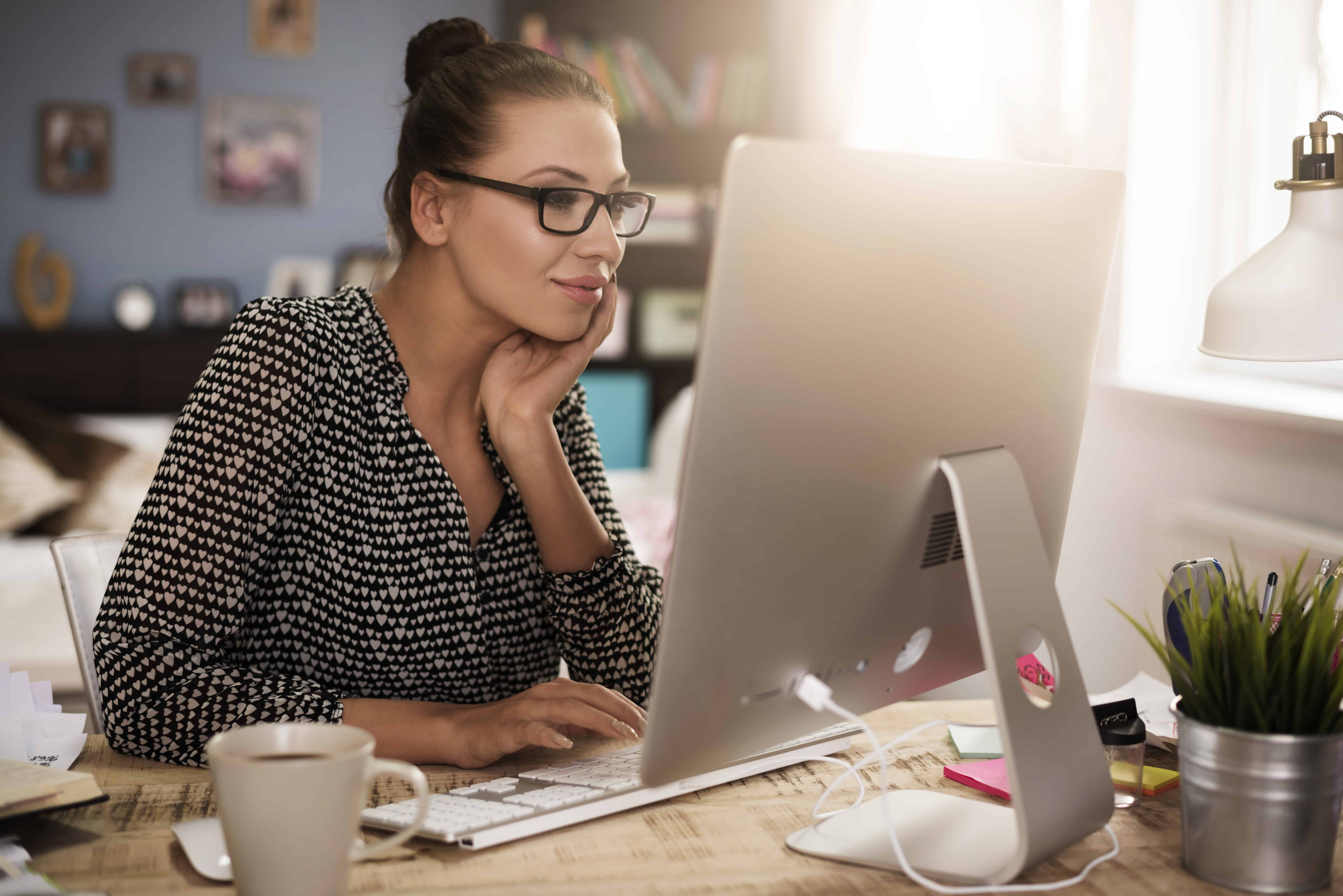 Work at Home Chat Host Jobs with SiteStaff
