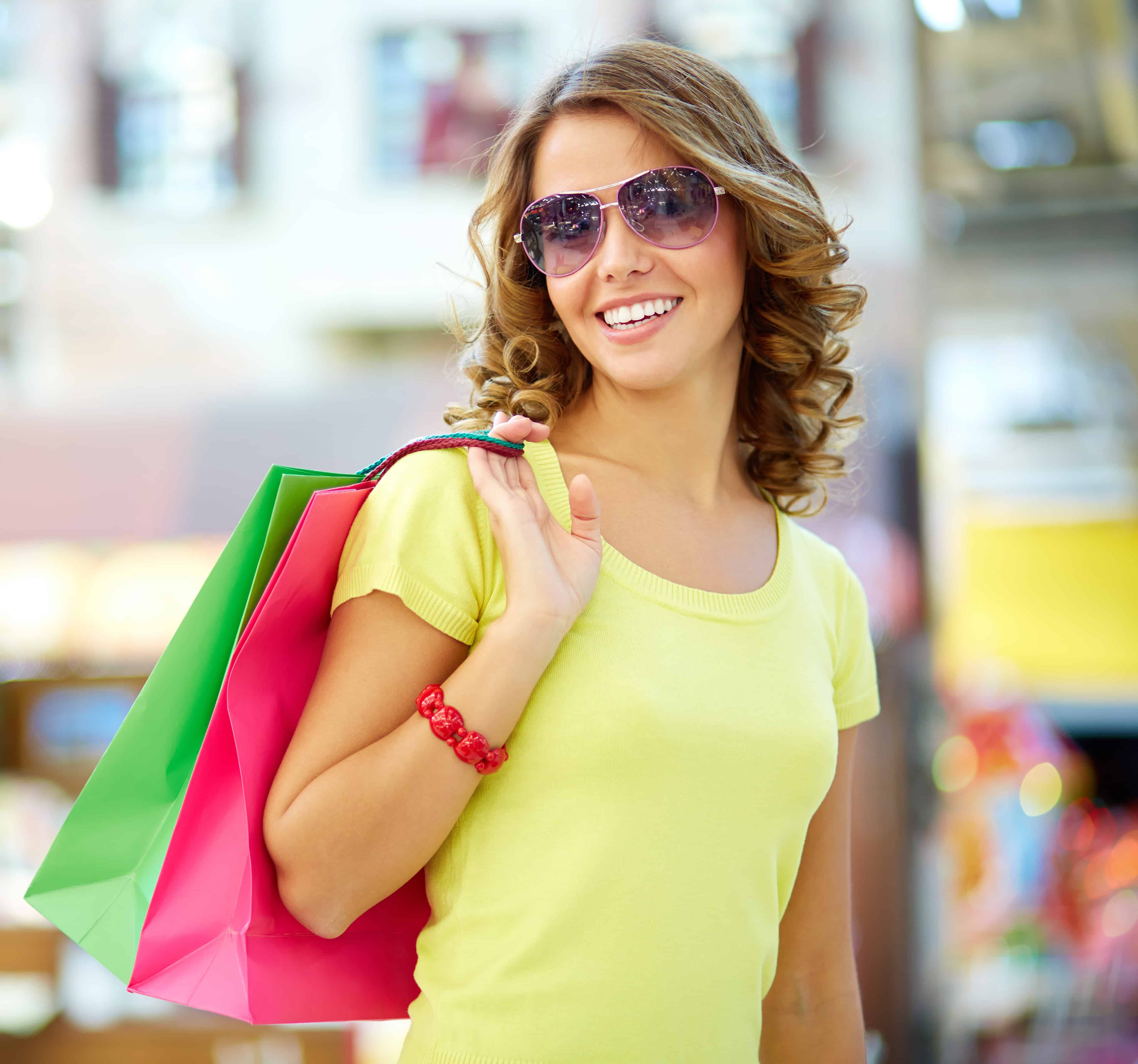Freelance Shopping News Writer for The Zoe Report