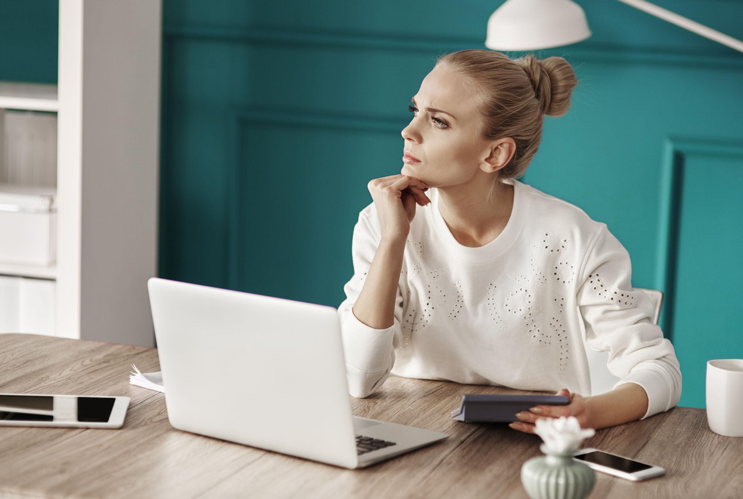 Virtual Customer Service Reps: Victoria's Secret Hiring!